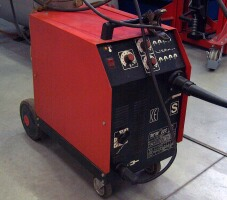 MM 220 type consumable-electrode welder