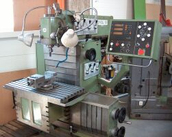 TOS FNGJ-32 milling machine
